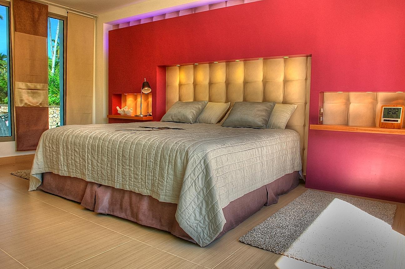 Villa Sofia – Floorplans – Master Suite – Bed