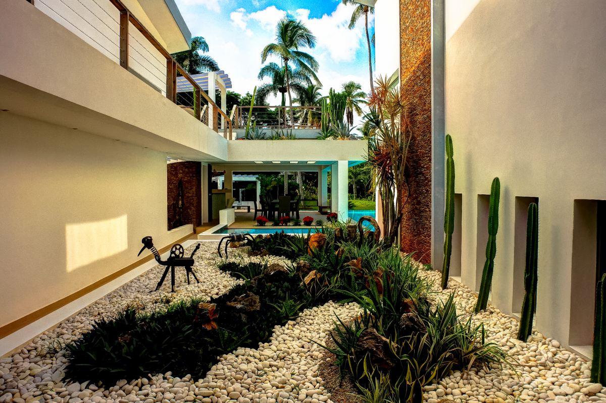 Villa Sofia – Outdoor. Garden & Pools – Courtyard/Gardens