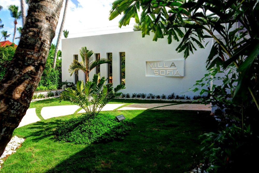 Villa Sofia – Outdoor. Garden & Pools – Entrance