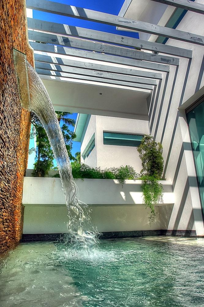 Villa Sofia – Outdoor. Garden & Pools – Swim Out Jacuzzi