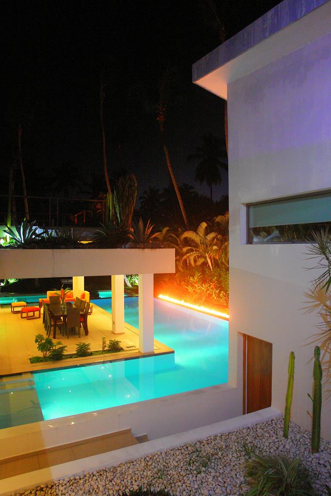 Villa Sofia – Night & Fire – Pool/Dining Area