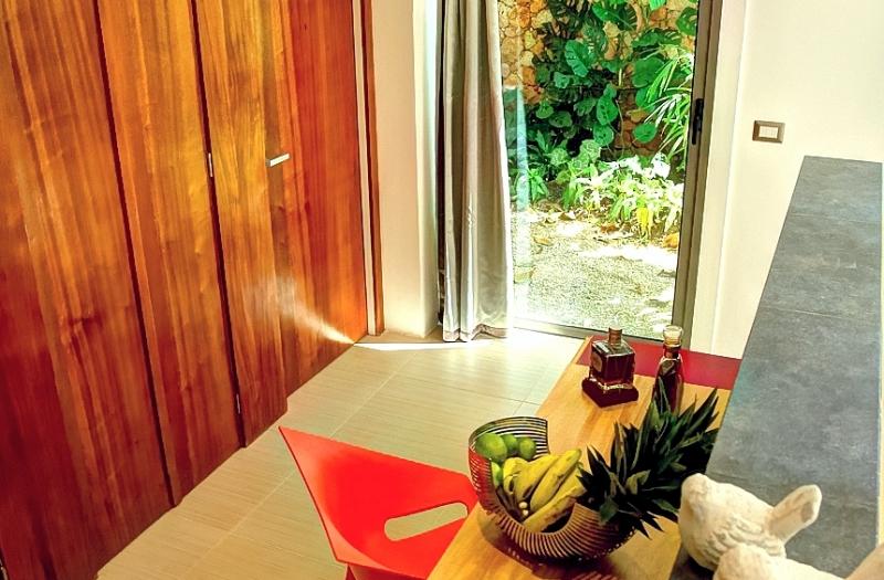 Villa Sofia – The Jacuzzi Suite – Desk/Private Garden